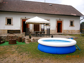 Vesec Cottage - Pool